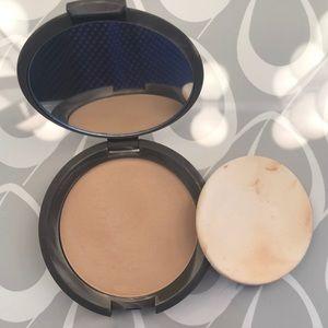 BECCA Perfect Skin Powder Foundation Noisette